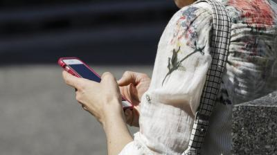 Cellphone-related injuries on the rise – The Asian Age